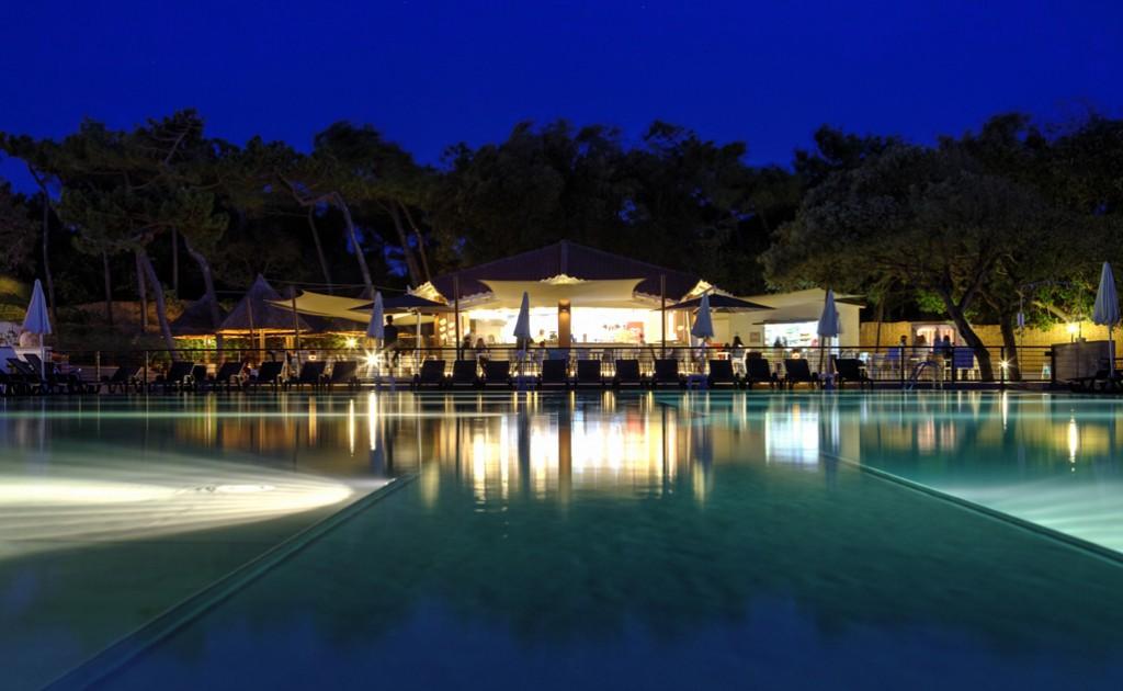HDR of the Paradu Resort Pool and Pool bar (Tuscany)
