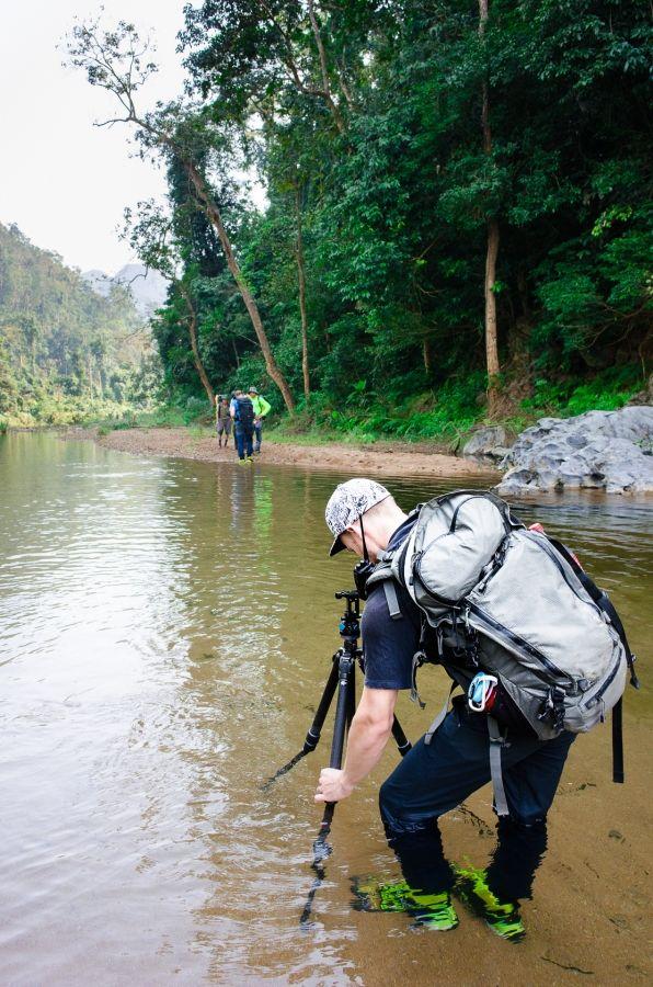 Martin Edström getting a 360-image in a river