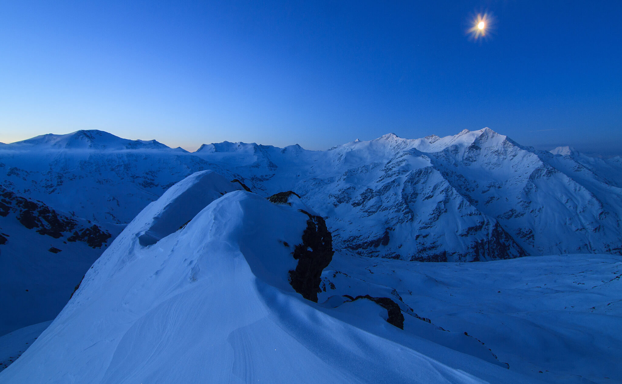 The Blue Hour Winter In The Mountains Manfrotto School Of