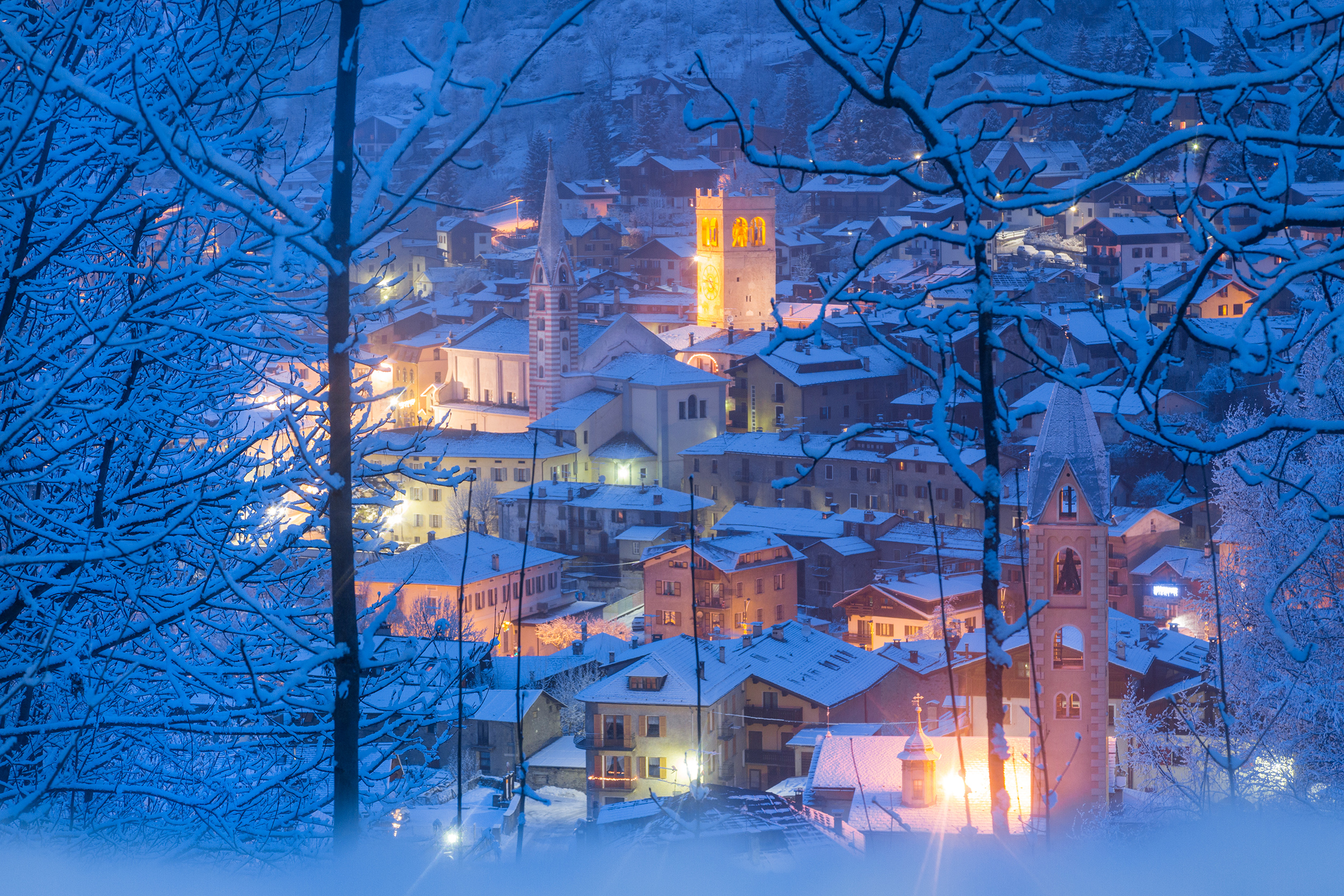 A glimpse of the town of Sondalo in Alta Valtellina immediately after a snowfall