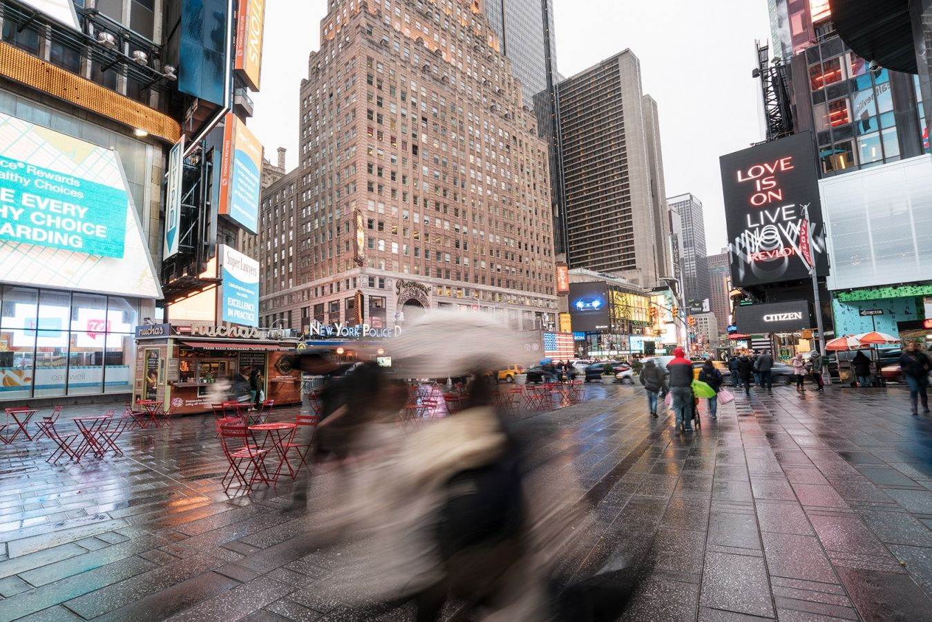 Times Square, photographed using a Sony a7RII with Sony/Zeiss 16-35/4 on a Gitzo Traveler Tripod at ¼ sec, f/11, ISO 100